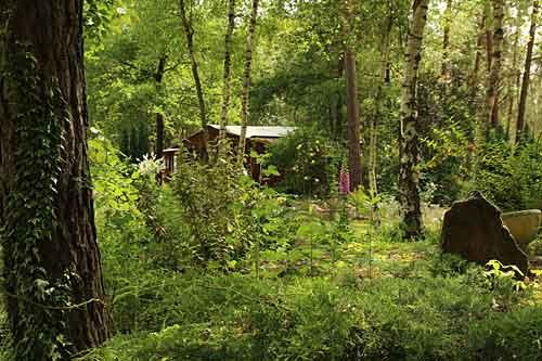 Le Bois fleuri à Yvré le Polin (72)  Arrosoirs et Sécateurs